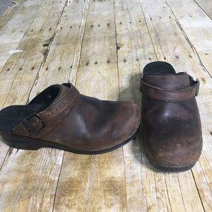 Dansko Ingrid oiled leather clogs. Size 39